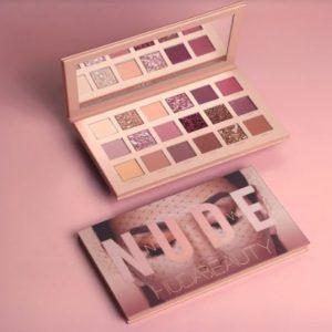 paleta de sombras nude de Huda Beauty Vlueers